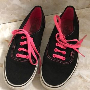 Vans black sneakers pink laces sz 7.5 men's 6
